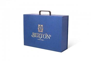 Фирменные портфели и чемоданы с подвесной ручкой