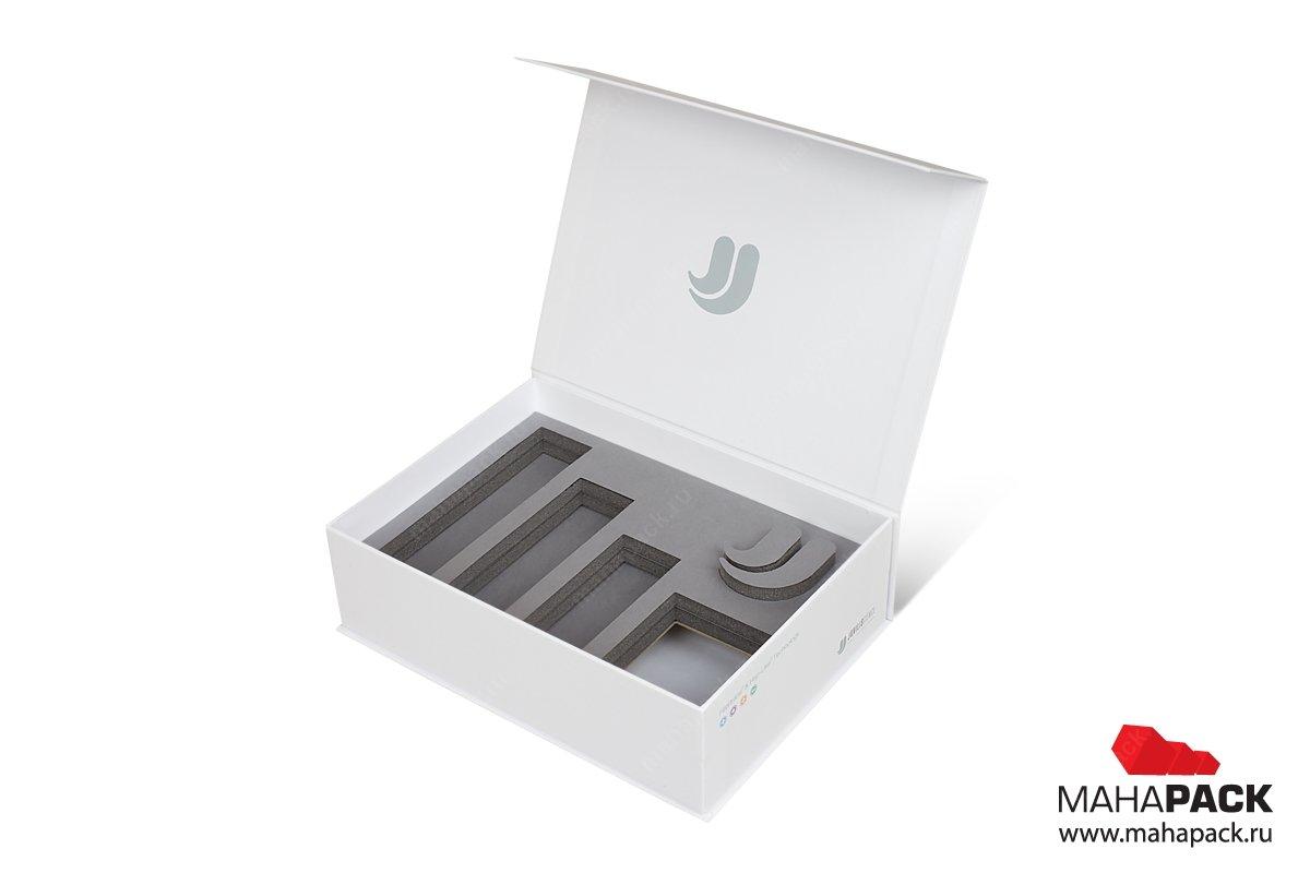 упаковка для флешки с изолоновым ложементом