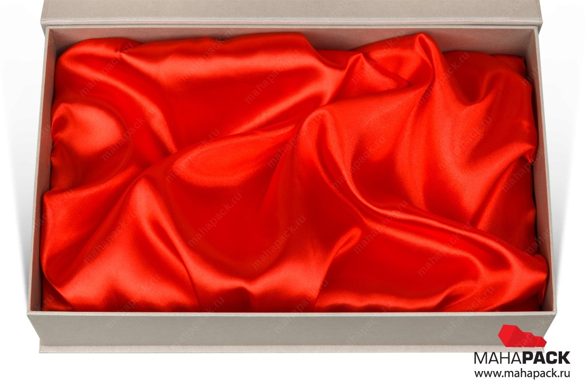кашированная коробка с атласным ложементом производство Москва
