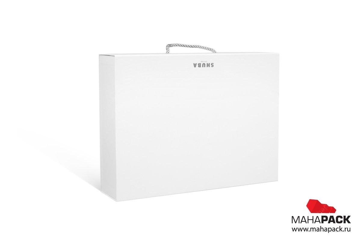производство подарочных коробок с логотипом тиснение серебряной фольгой