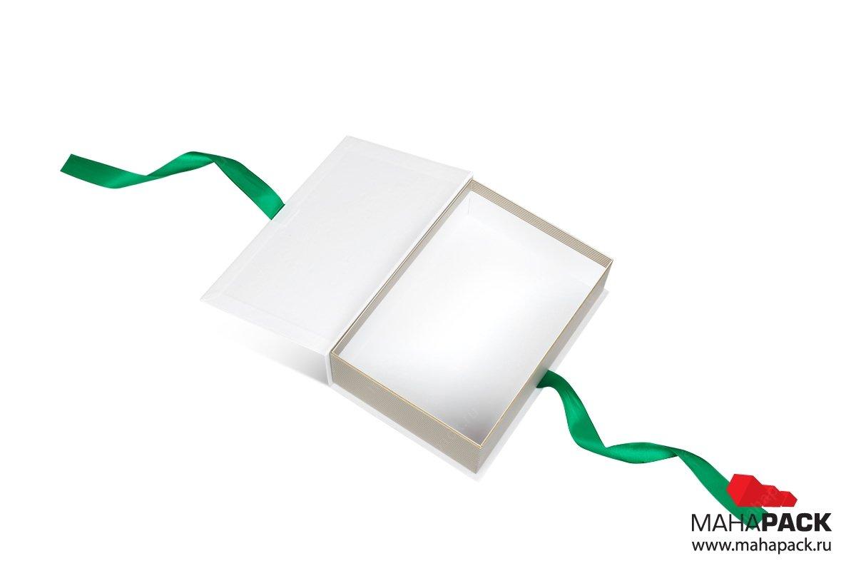 подарочная коробка-книжка с атласными лентами