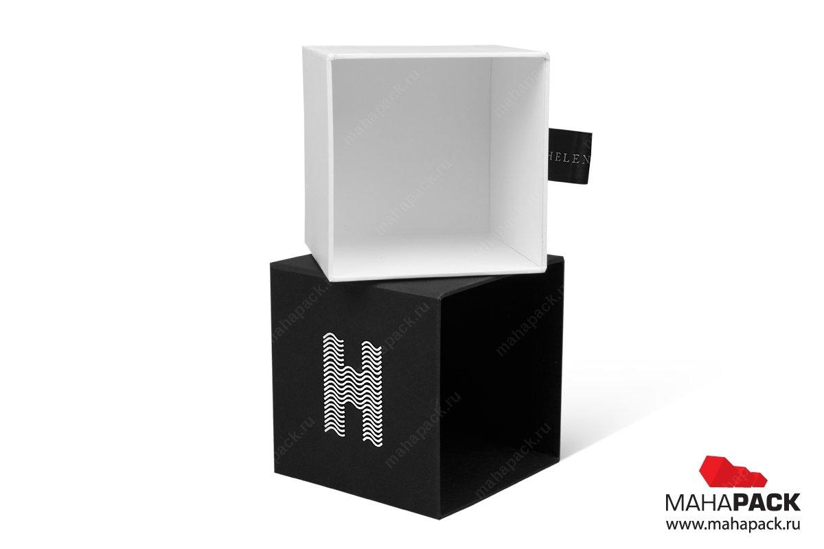 дизайнерская коробка с дизайнеркой бумагой