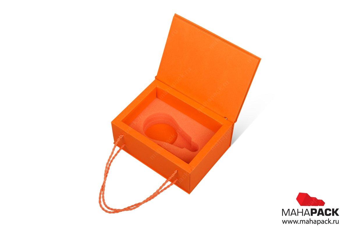 картонная упаковка с логотипом для лампочки