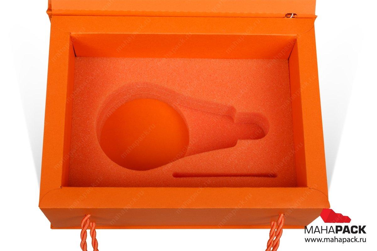 картонная упаковка с логотипом поролоновый ложемент