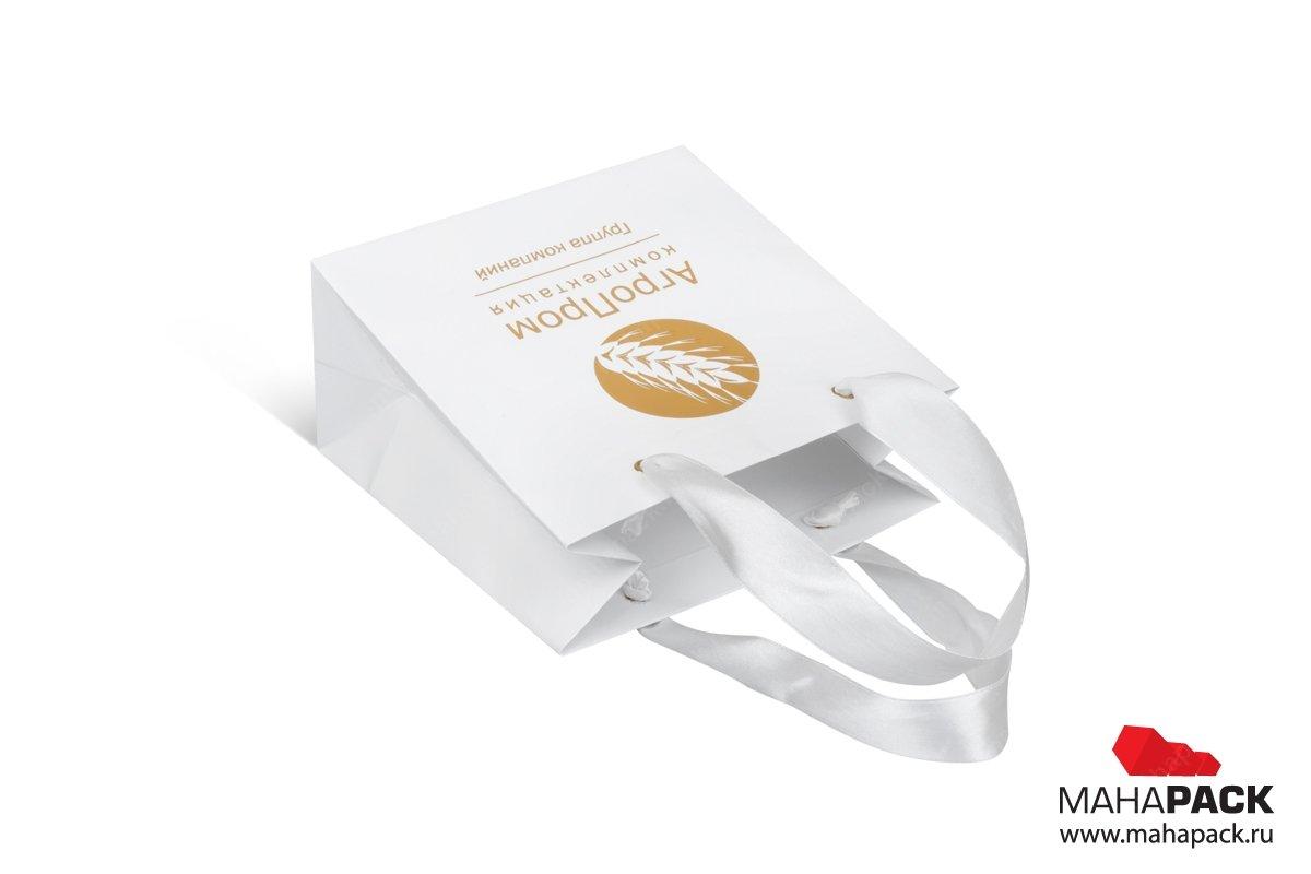 корпоративная упаковка с тиснением фольгой