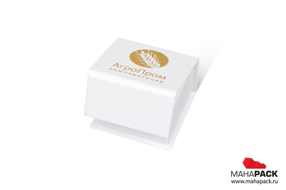 корпоративная упаковка с клапаном на магните
