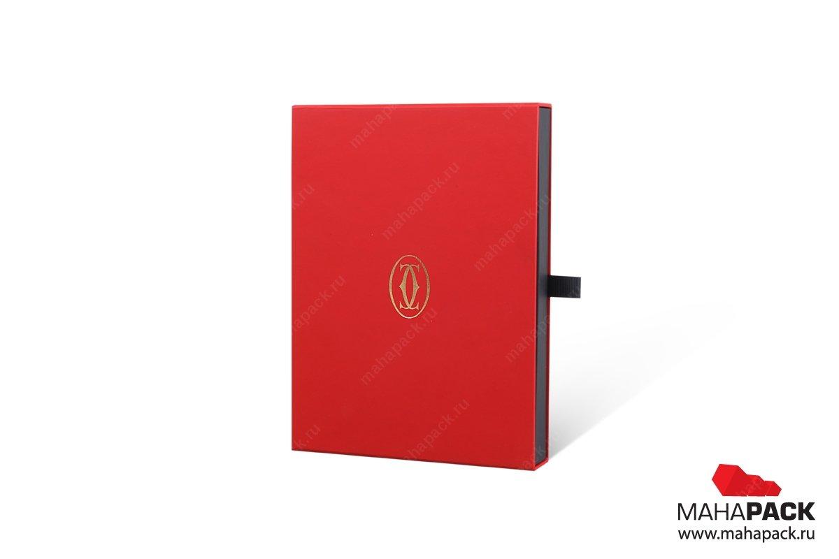 производство дизайнерских подарочных коробок с логотипом