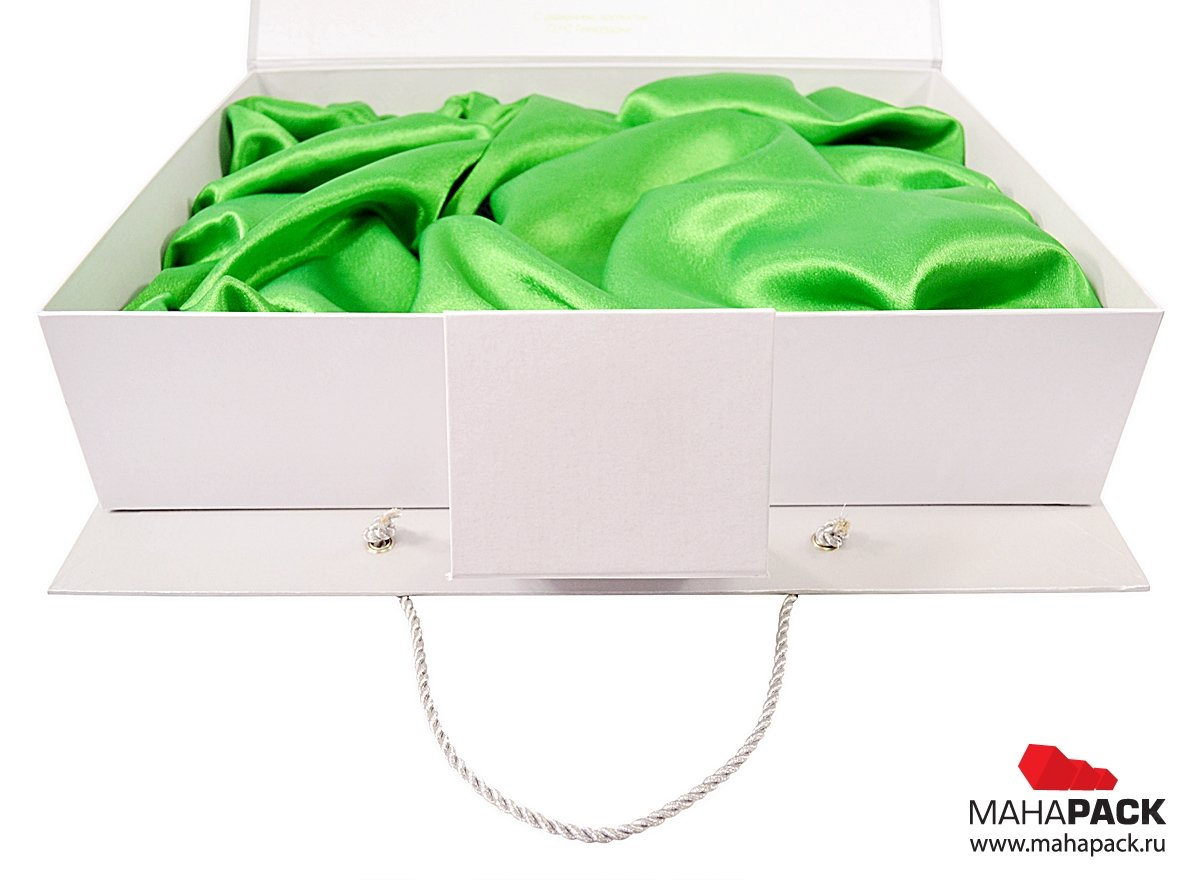 Подарочная упаковка-чемодан с ложементом