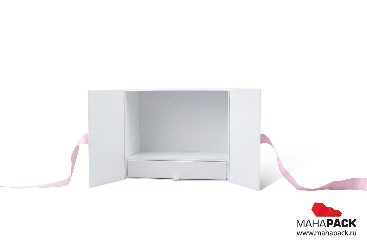 коробка для косметики с отделами
