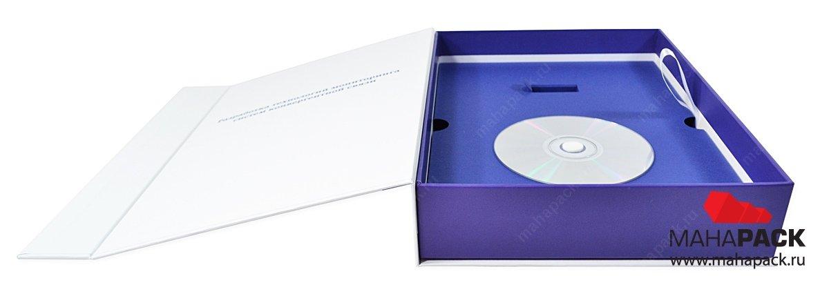 Фирменная коробка с ложементом