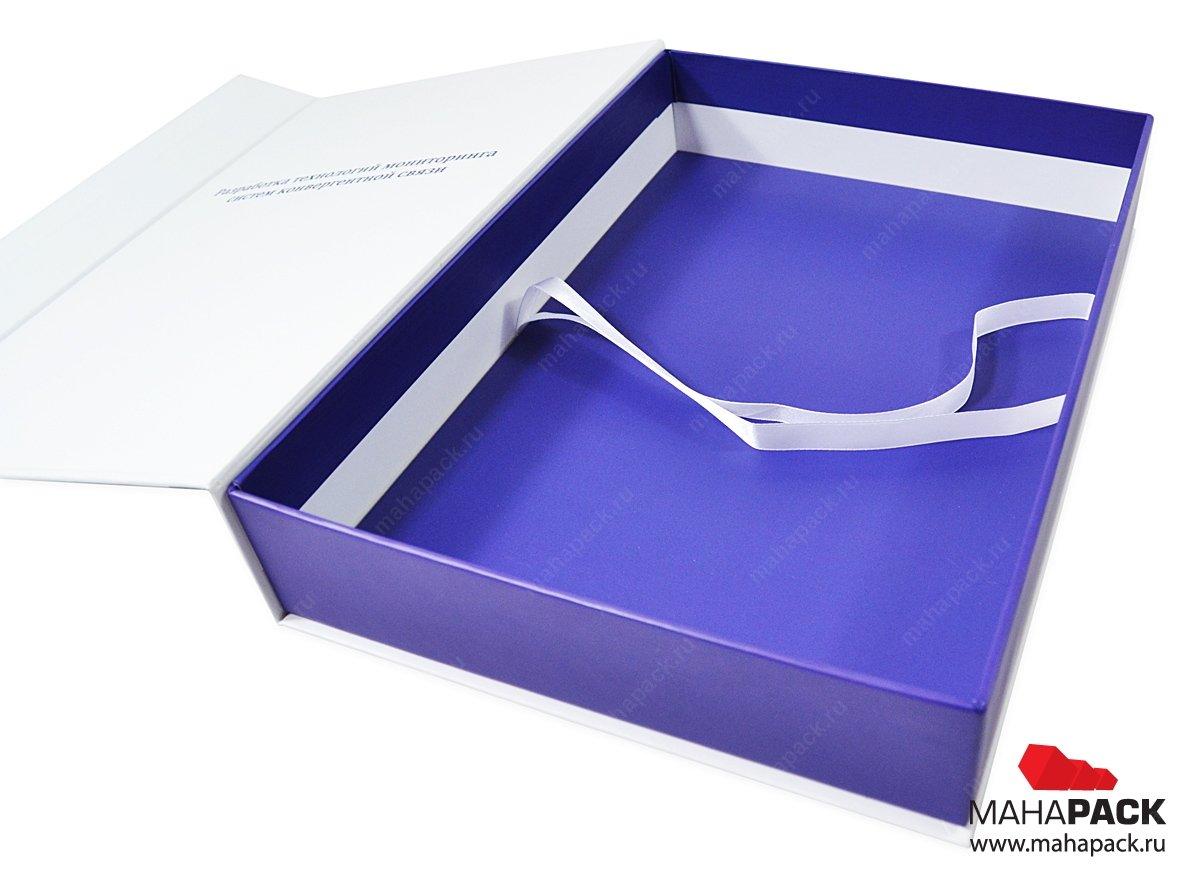 Фирменная коробка с магнитной крышкой и картонным ложементом