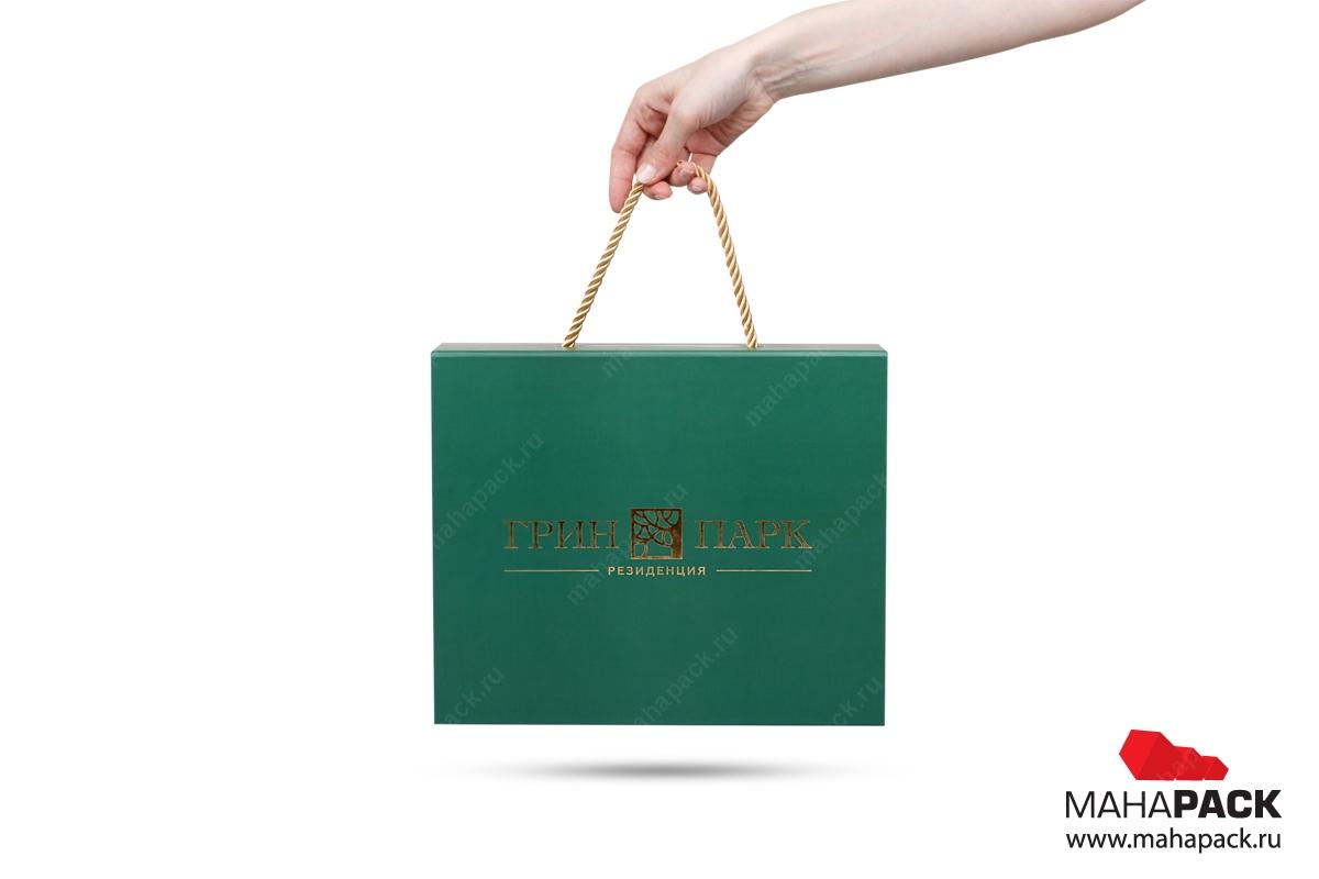производство подарочных коробок с логотипом коробка-чемодан с веревочн...
