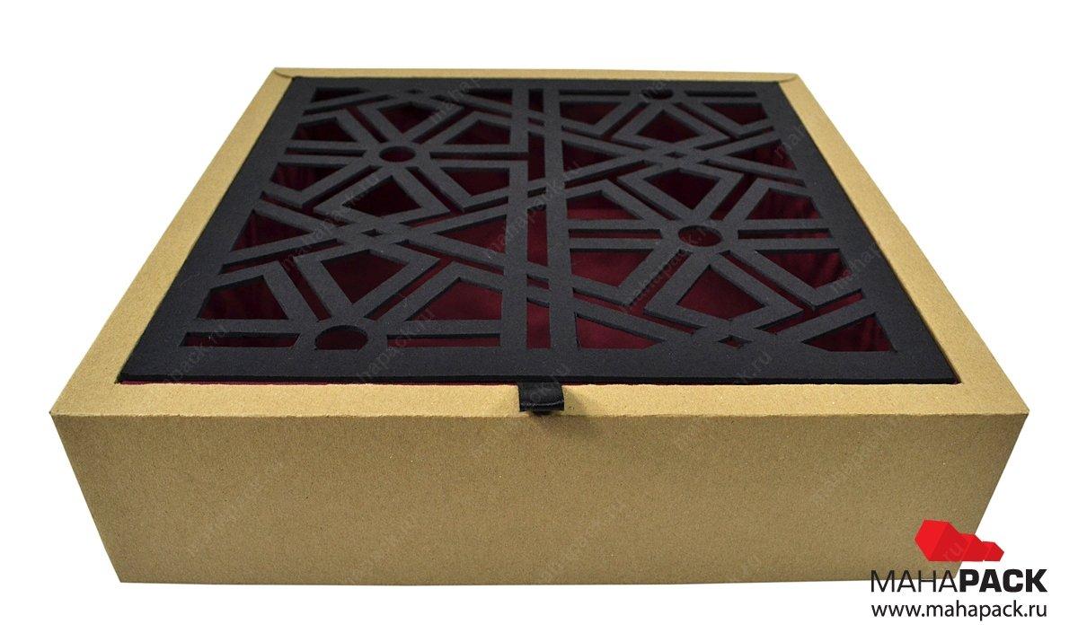Подарочная коробка с вырубной крышкой