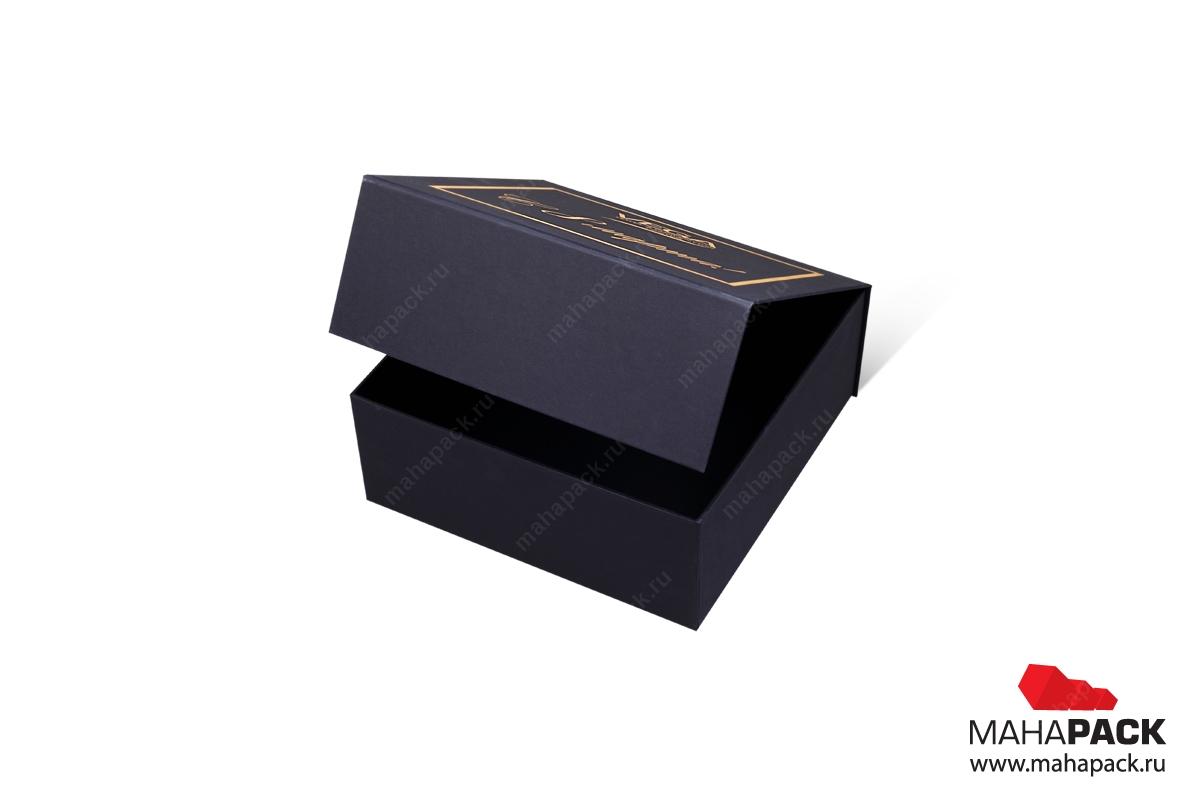 Коробка с магнитом в Москве – к 8 марта