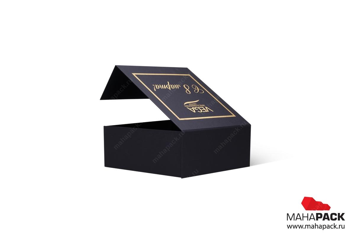 Коробка с магнитом в Москве на заказ