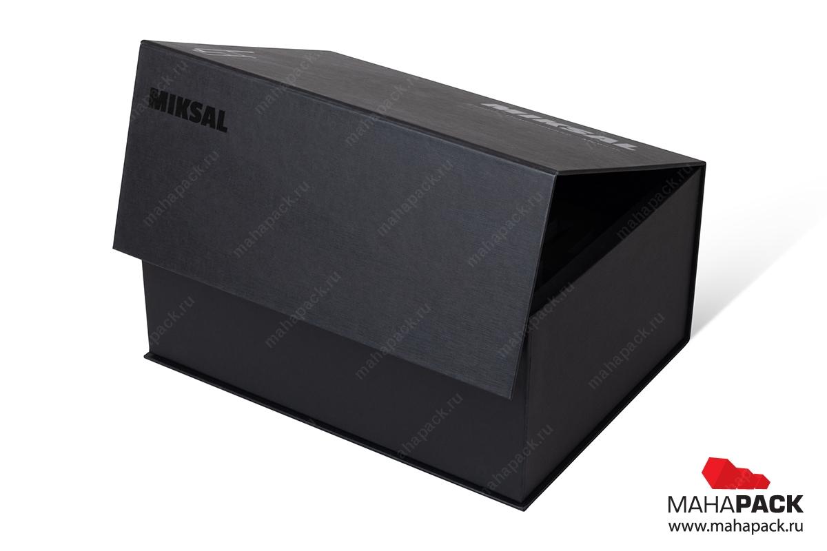 брендированные коробки с логотипом