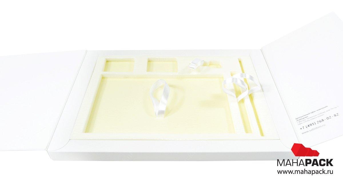 Современная упаковка welcome-pack с изолоновым ложементом