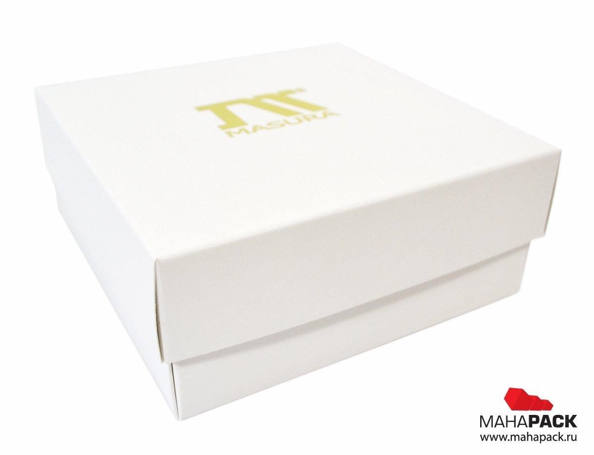 Фирменная коробка, логотип нанесен на крышку упаковки