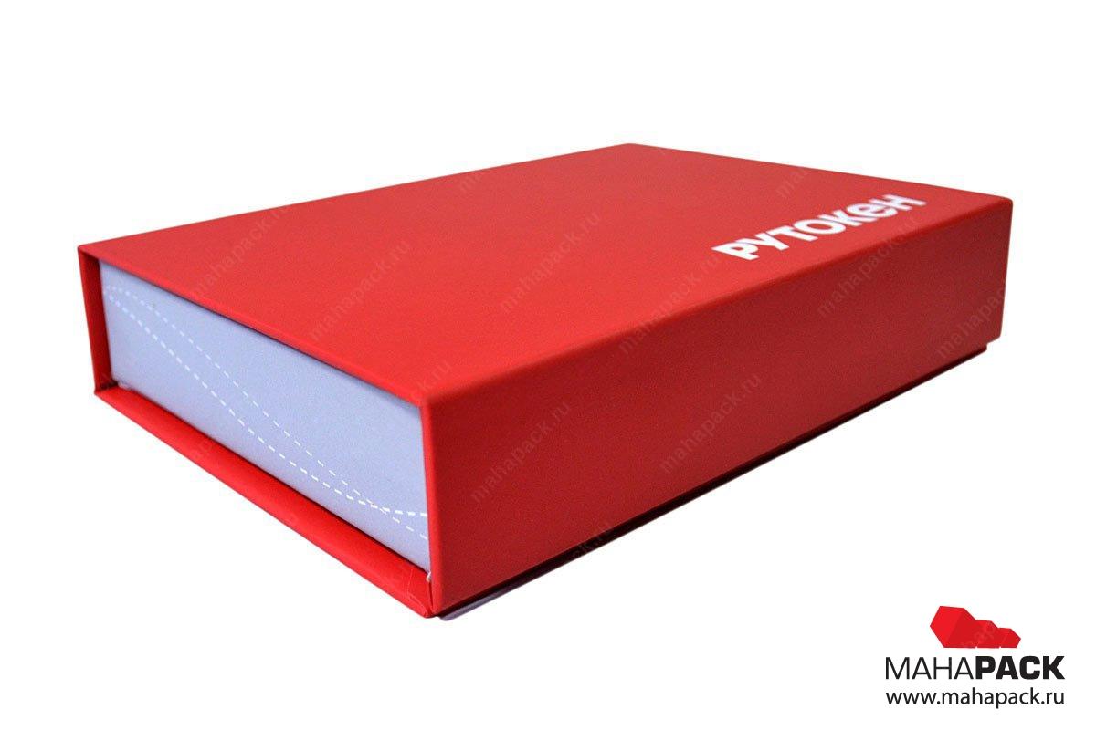 Фирменная коробка с ложементом для флешек
