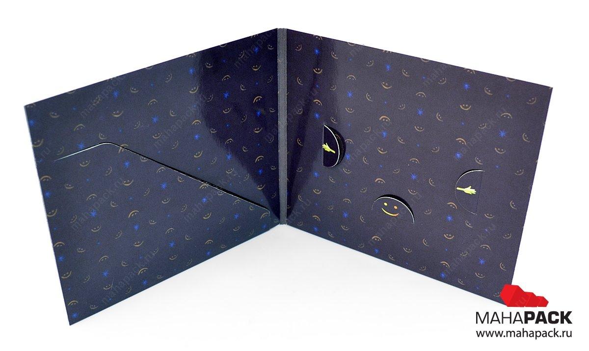 Card-pack для пластиковой карты и буклета, крепление карты в ушки