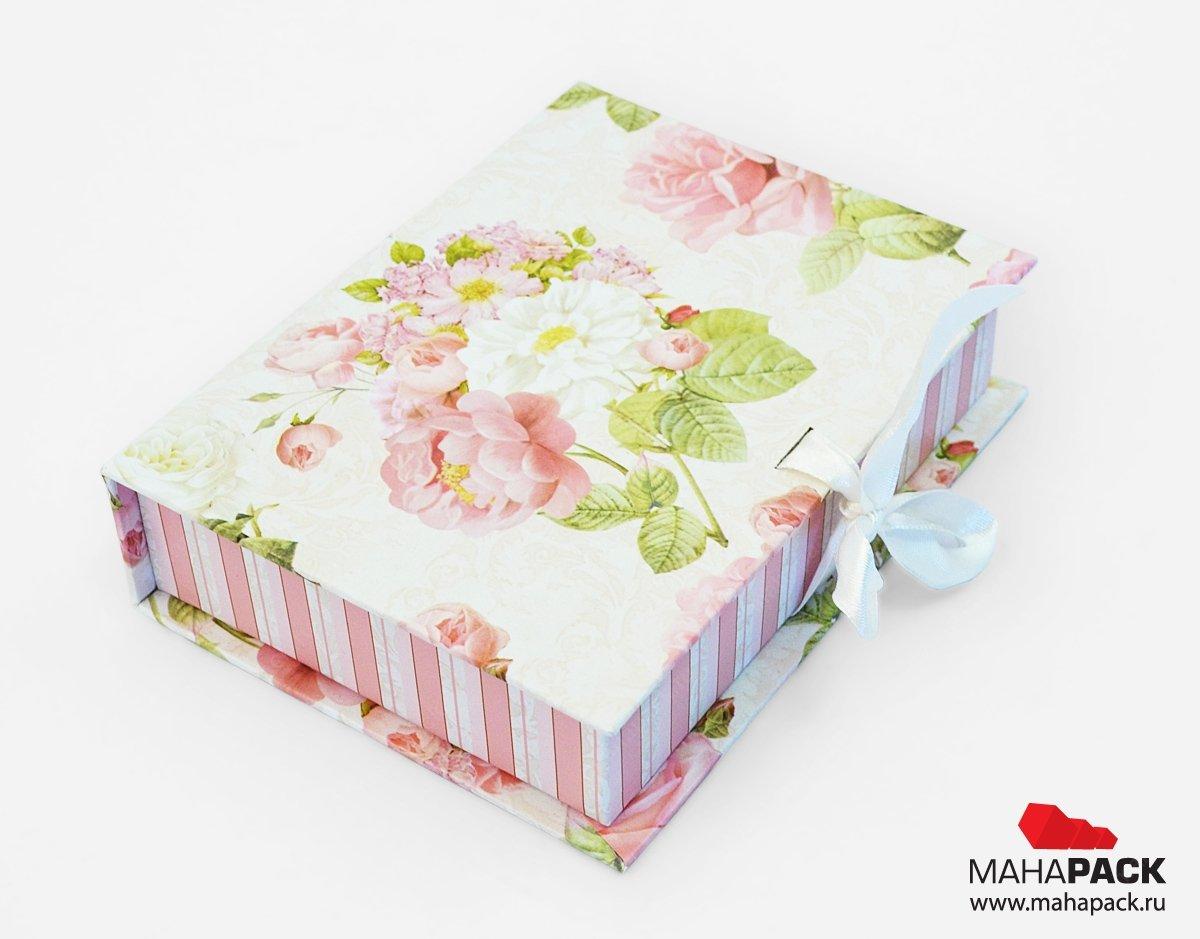 Сувенирная коробка-книжка