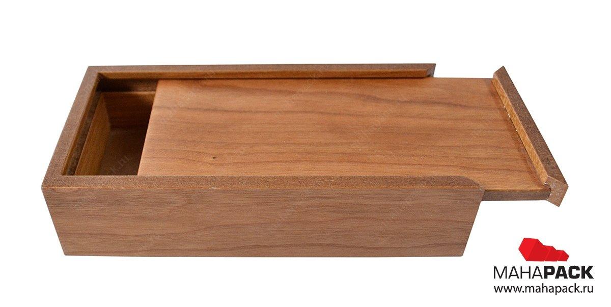 Деревянная упаковка-пенал для сувенира