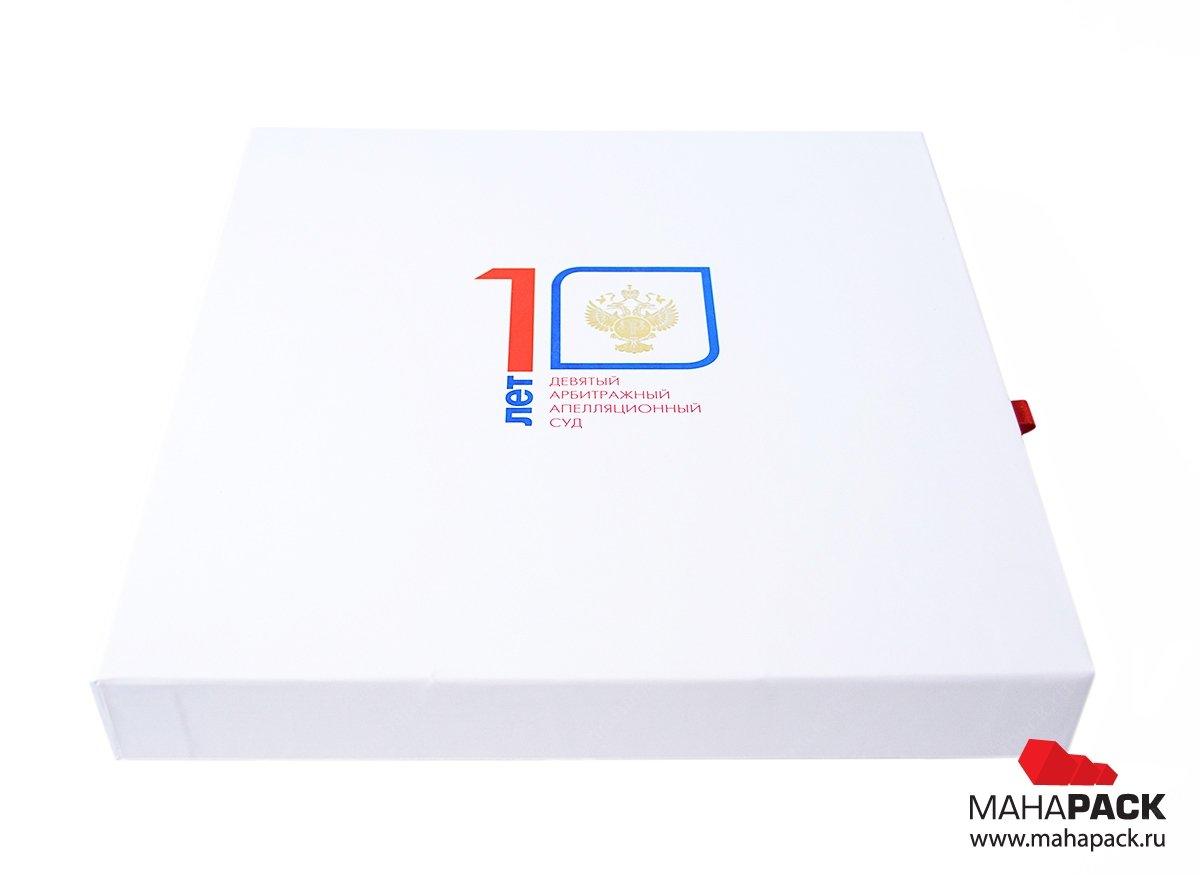 Фирменные коробки с флокированным ложементом на заказ
