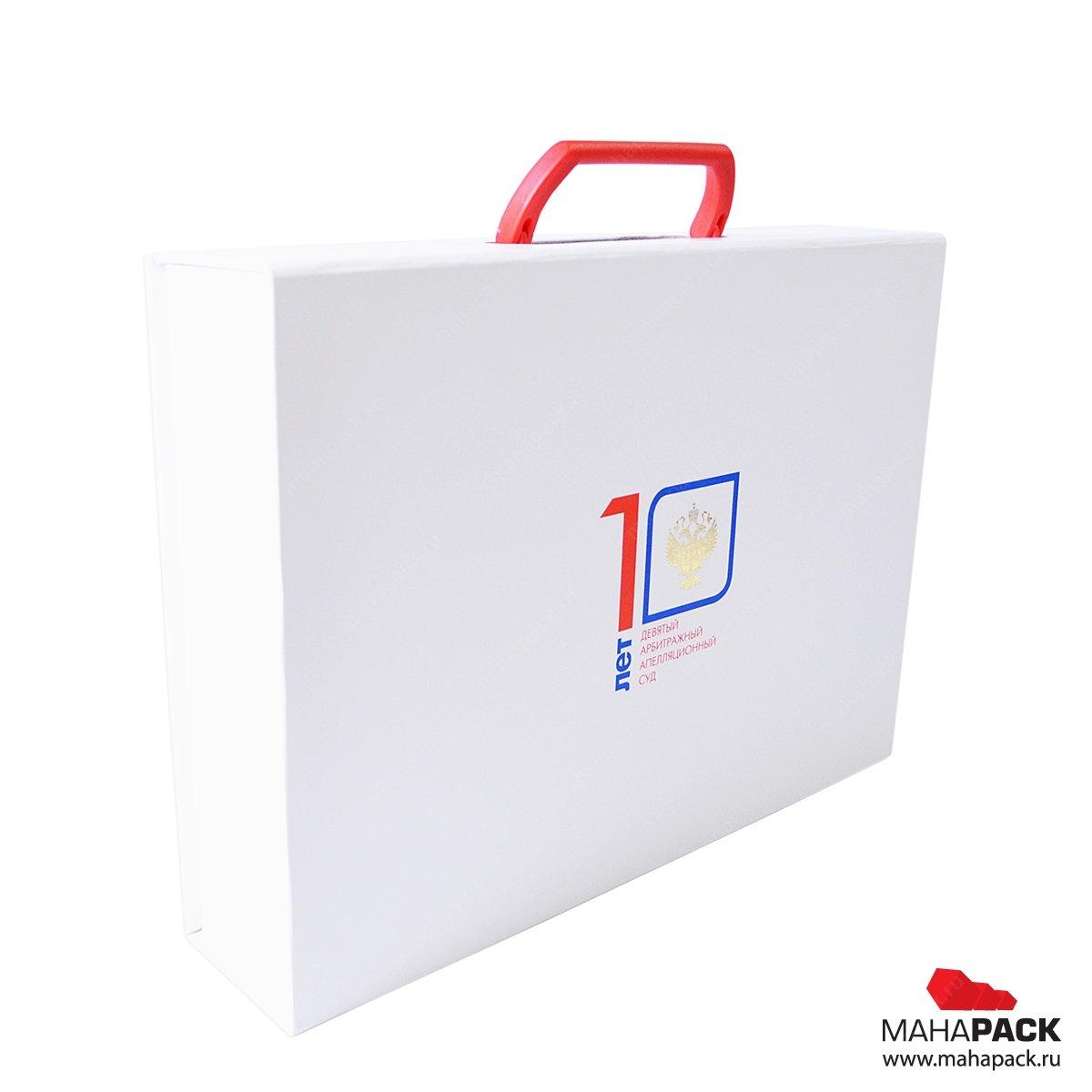 фирменная подарочная упаковка с логотипом