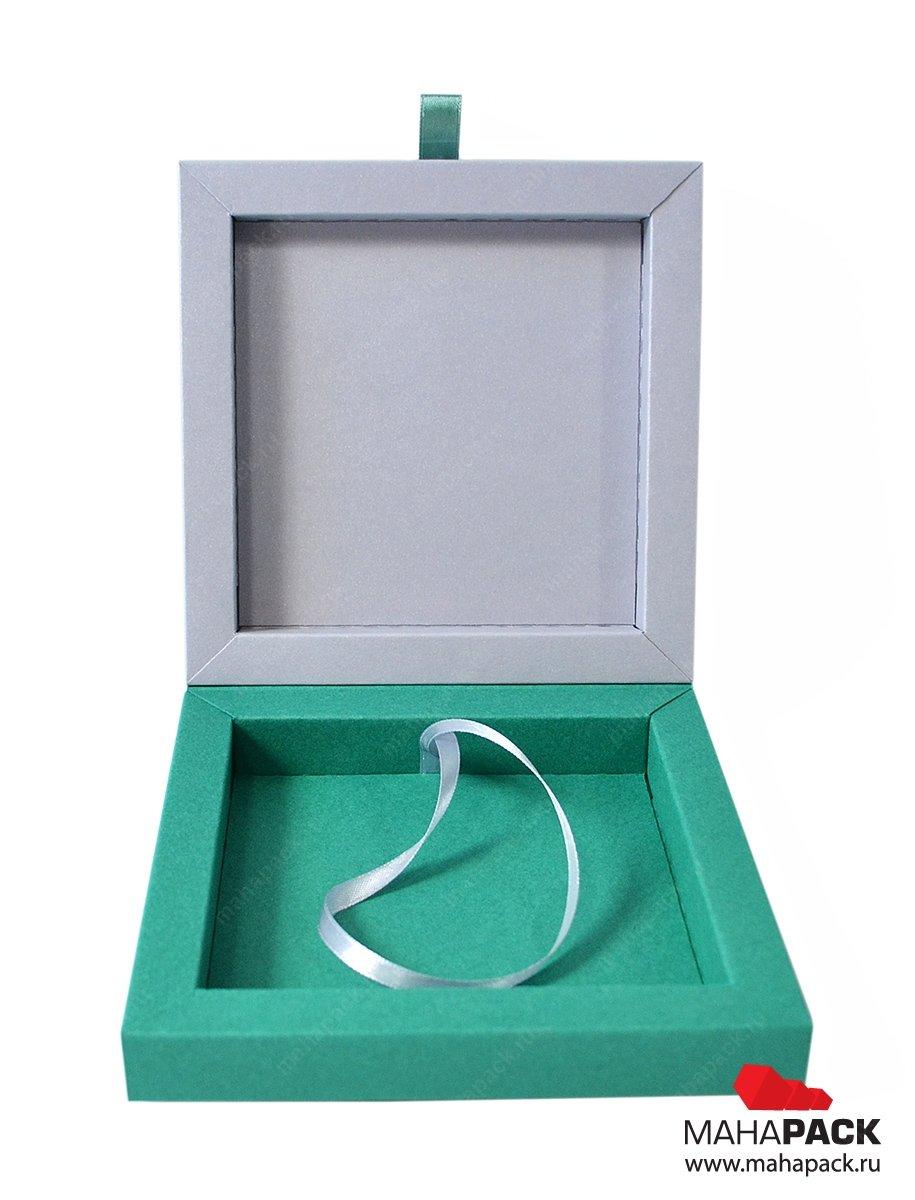 Изготовление коробок для фирменных сувениров