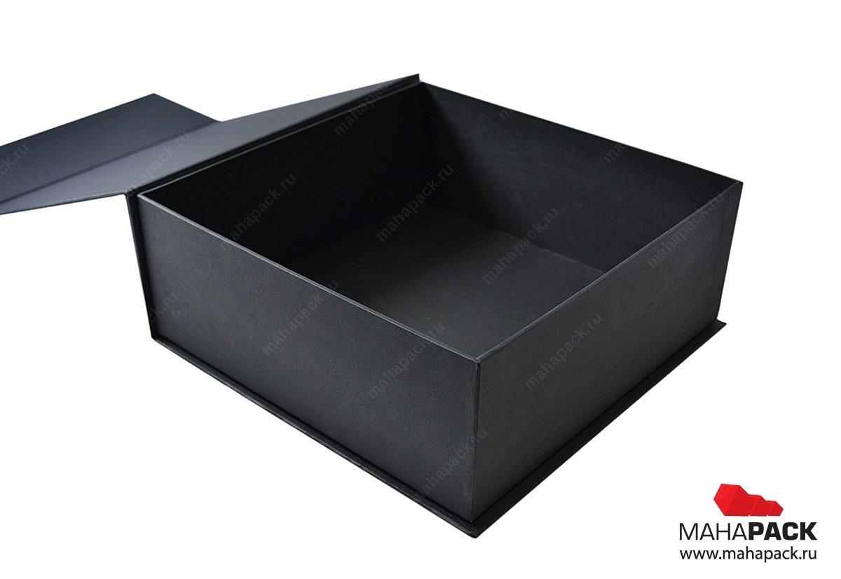 Фирменная кашированная коробка на магнитах