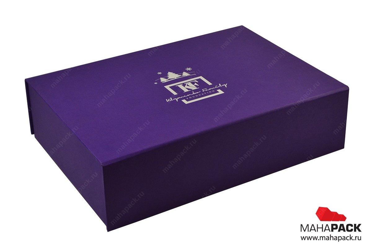 Кашированная коробка-книжка с тиснением