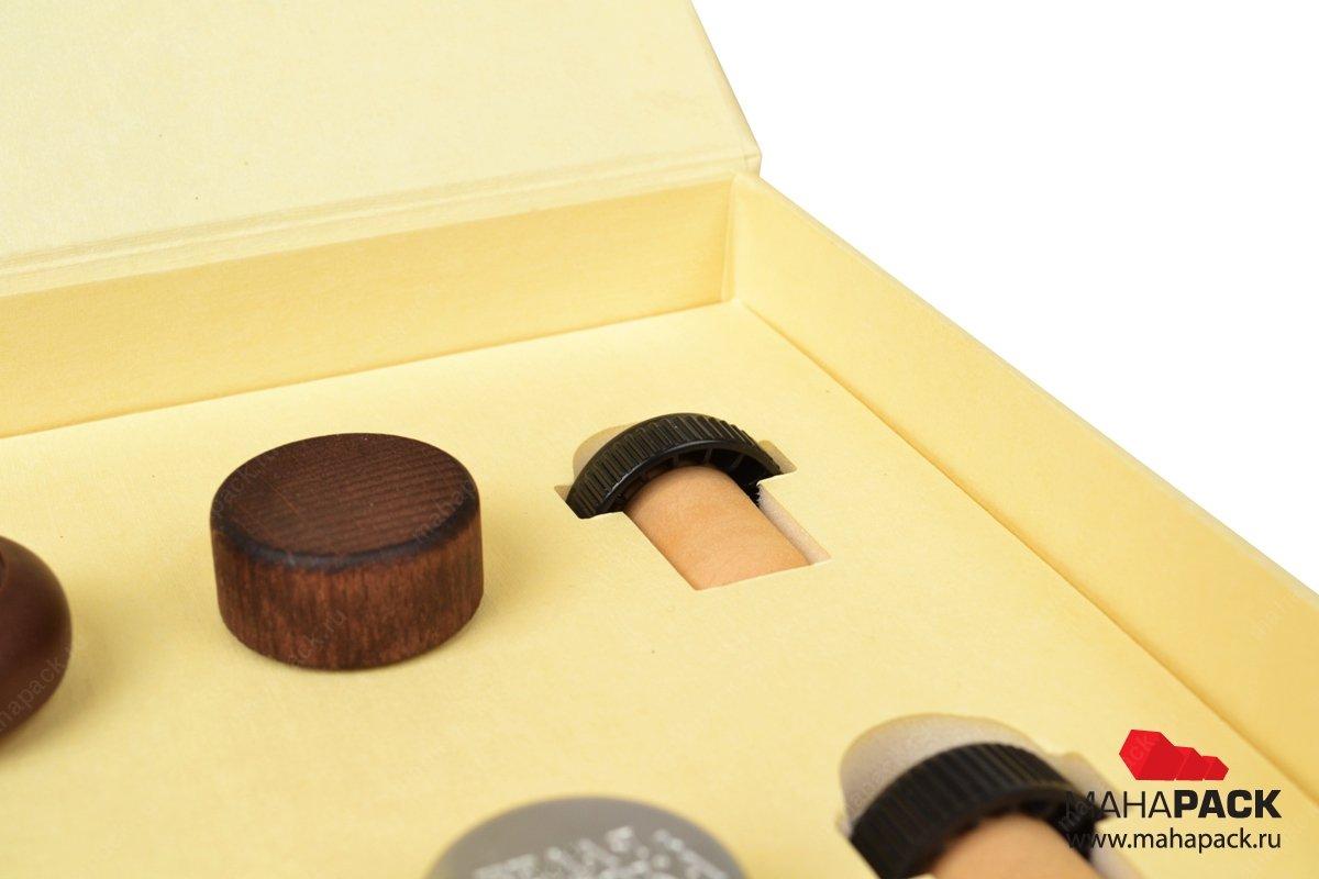 коробка с клапаном на магните для образцов