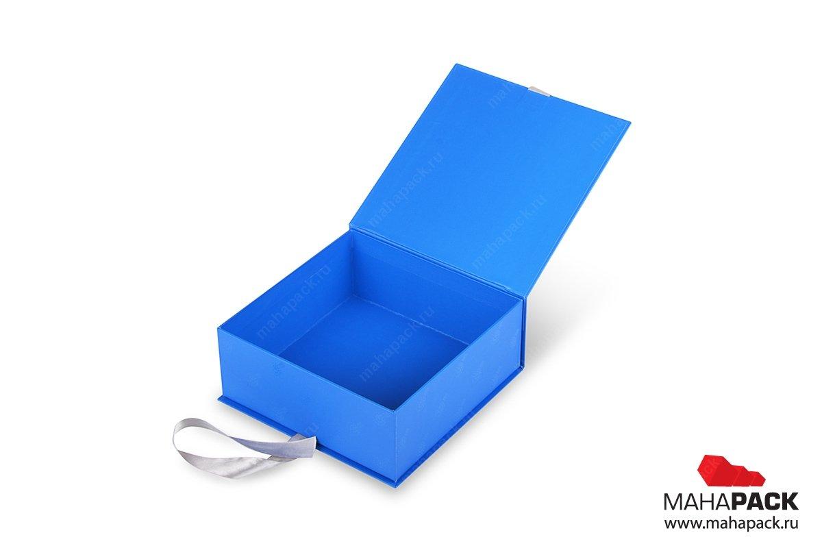 Кашированная коробка-книжка на лентах