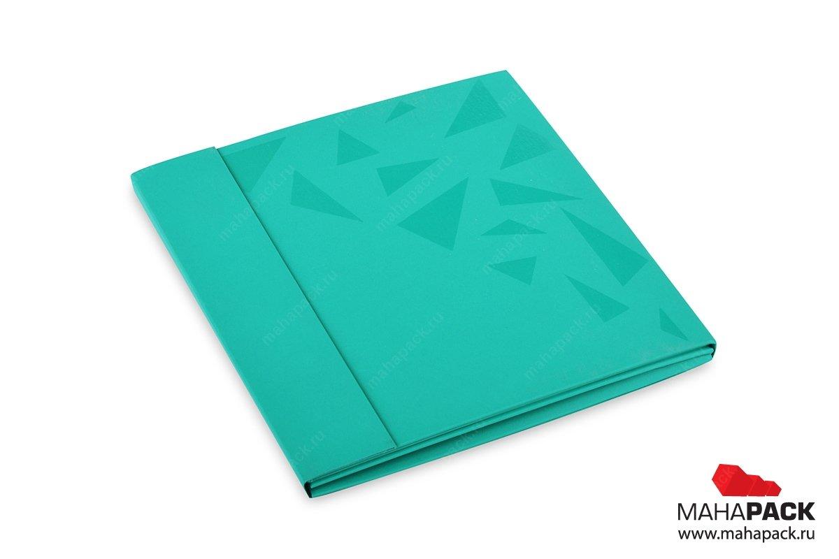 картонная подарочная упаковка с выборочным лаком