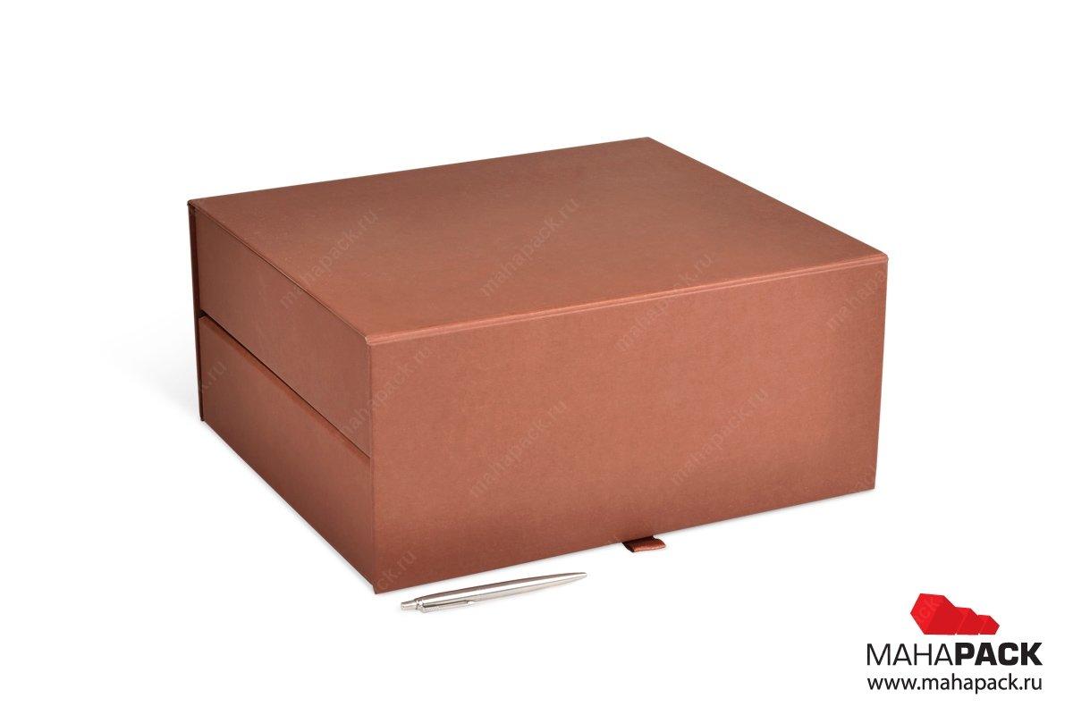 Большая подарочная двухъярусная коробка с ложементом