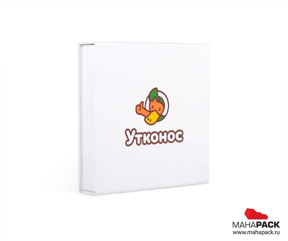 Кашированная подарочная упаковка с логотипом