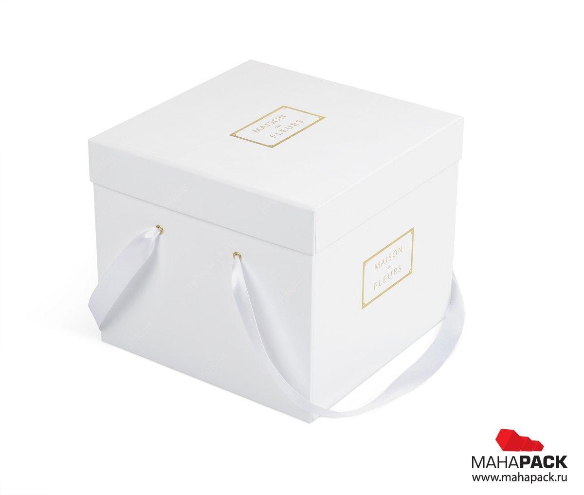 Подарочная коробка из переплетного картона с тиснением
