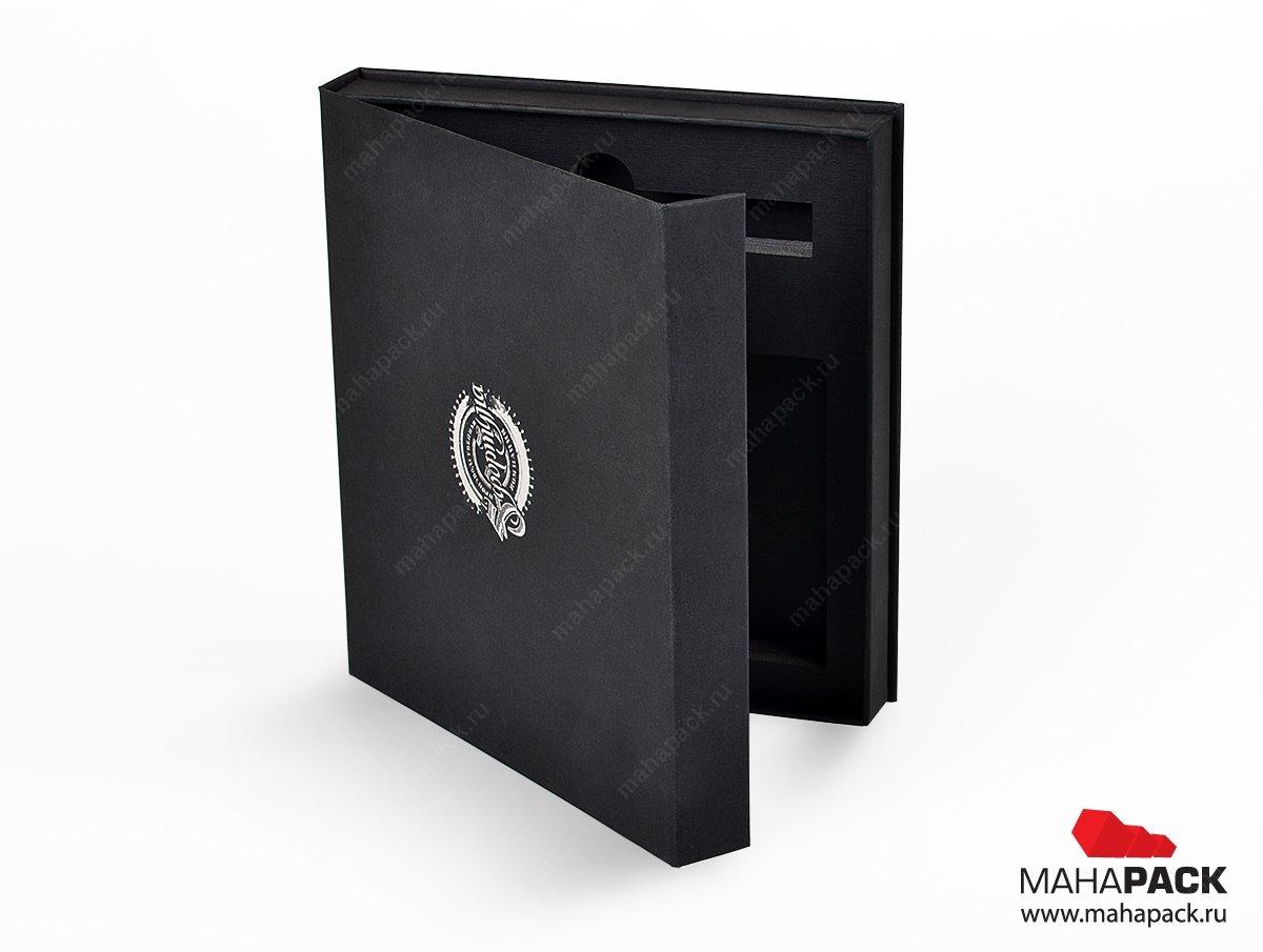 упаковка - подарочная коробка на магнитах большим тиражом