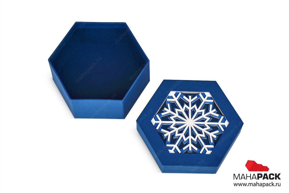 подарочная коробка виде шестигранник со снежинкой