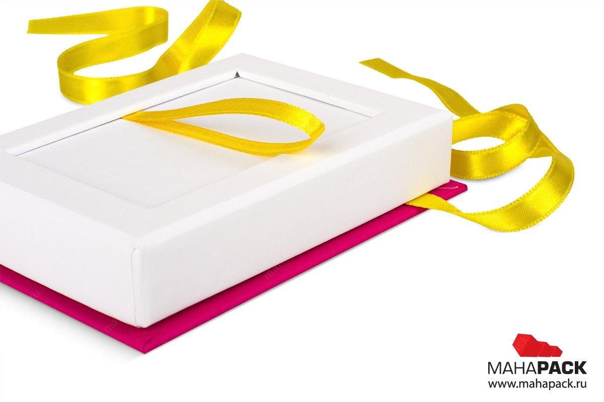 производство подарочной упаковки для карты с лентами