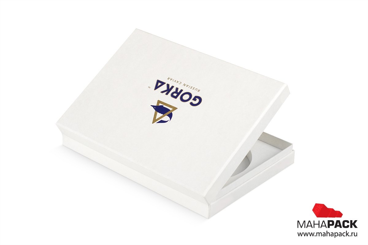 коробка для по, на крышке логотип