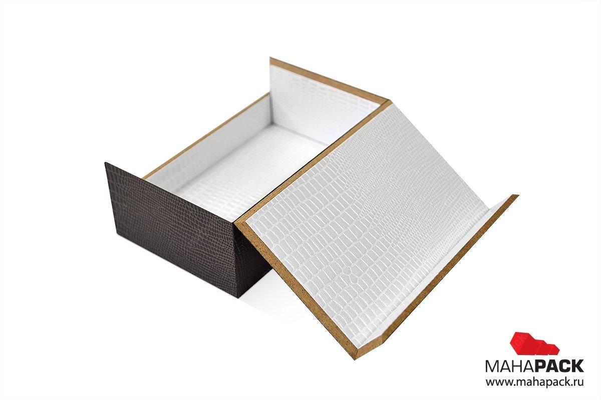 коробки деревянные с драпировкой внутри
