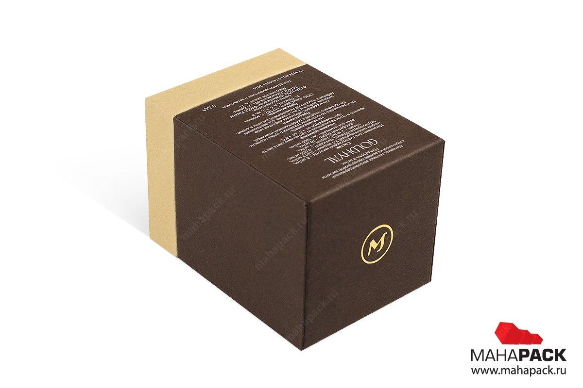 картонная упаковка с логотипом