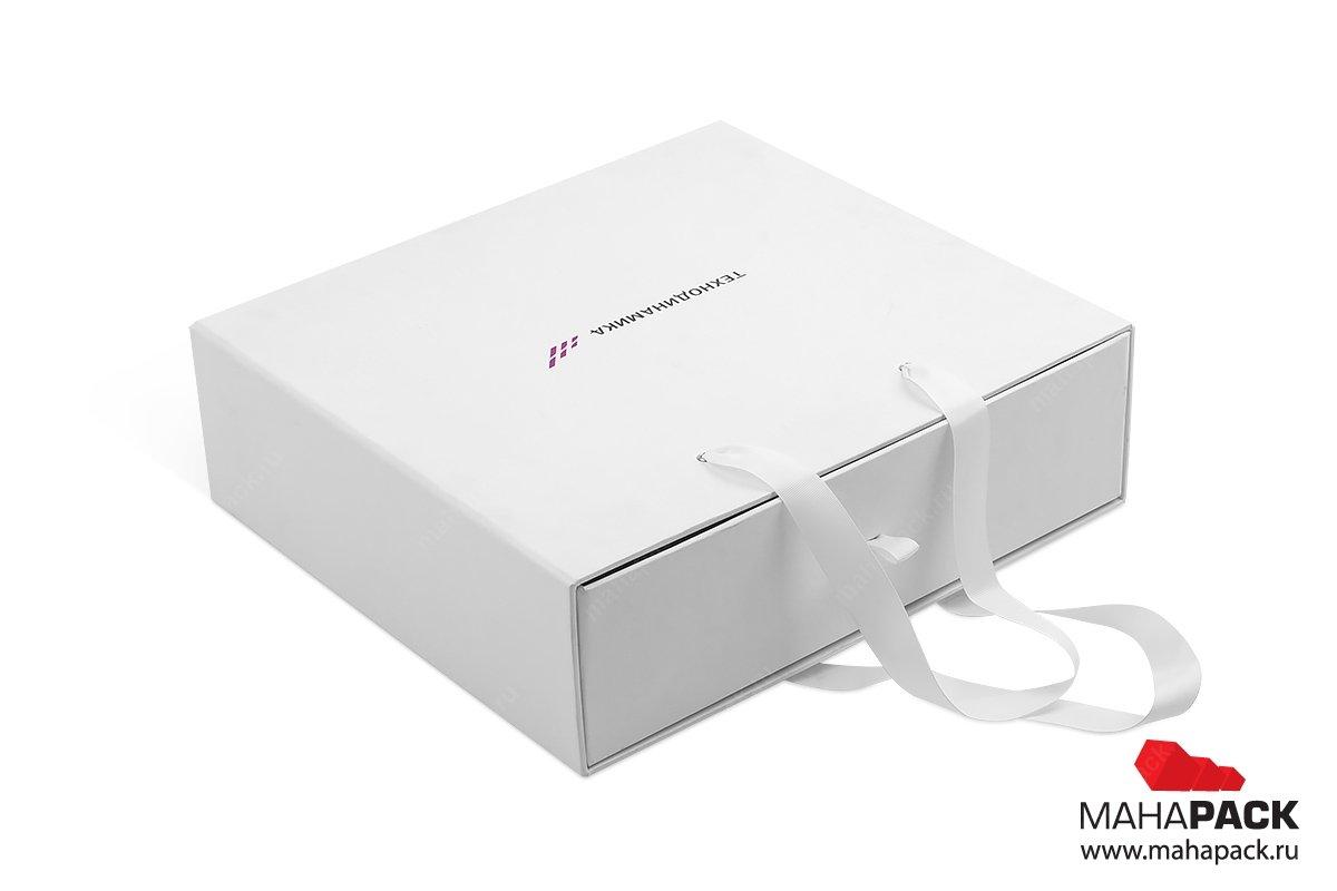 подарочная коробка на заказ с ручками
