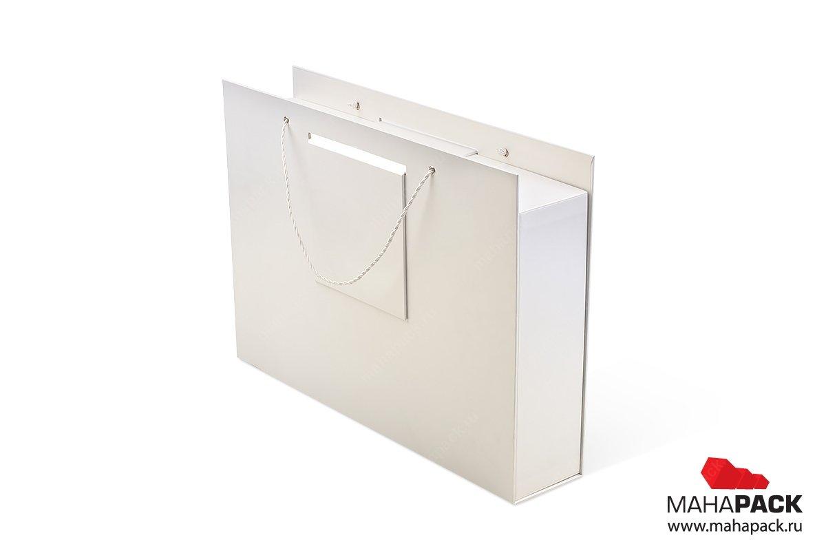 подарочная коробочка с веревочными ручками