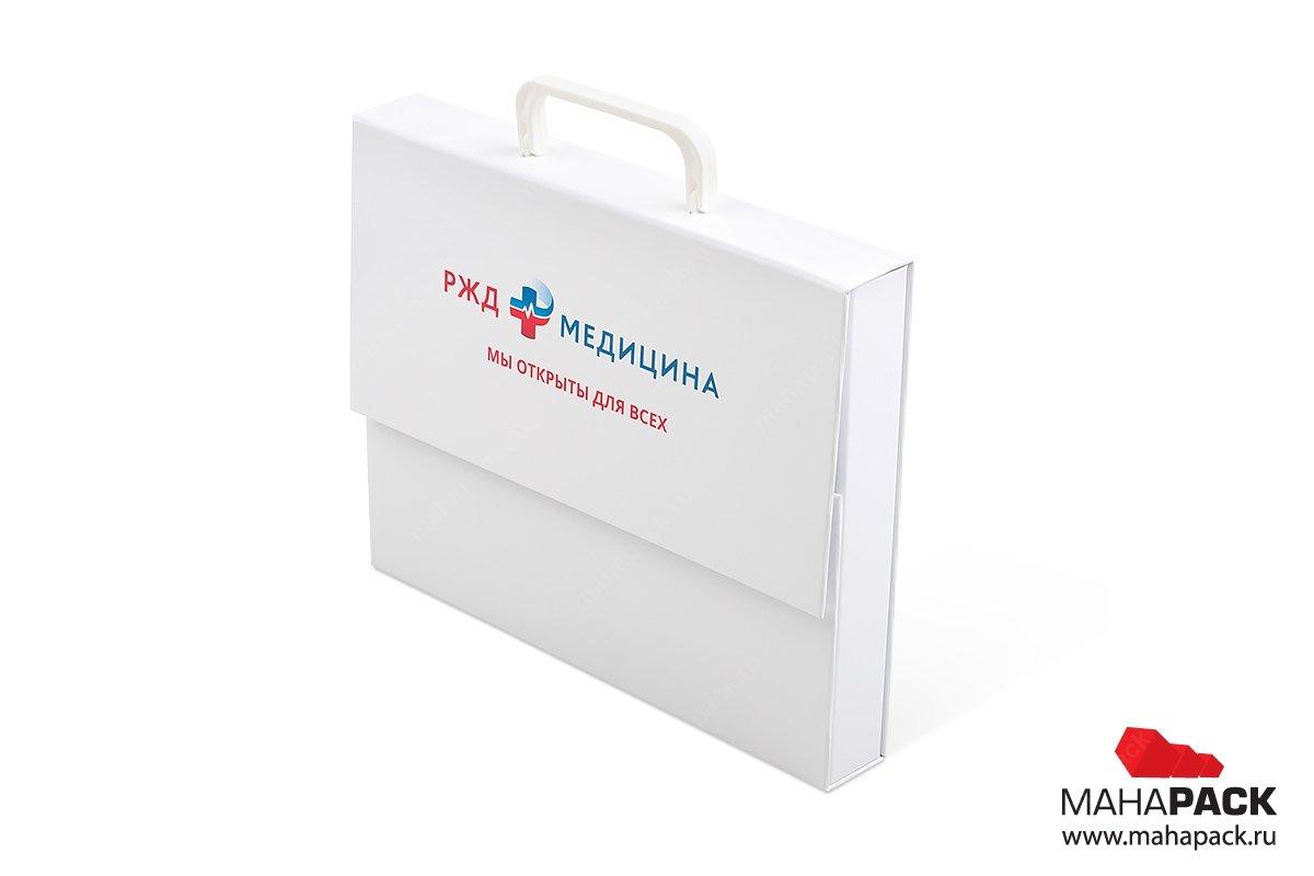 изготовление коробок с логотипом и навесными ручками
