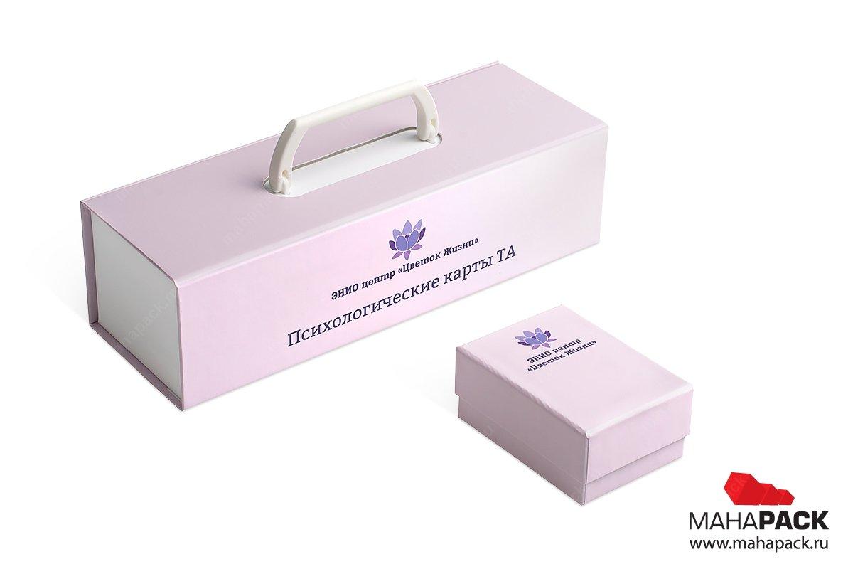 Коробка с подвесной ручкой