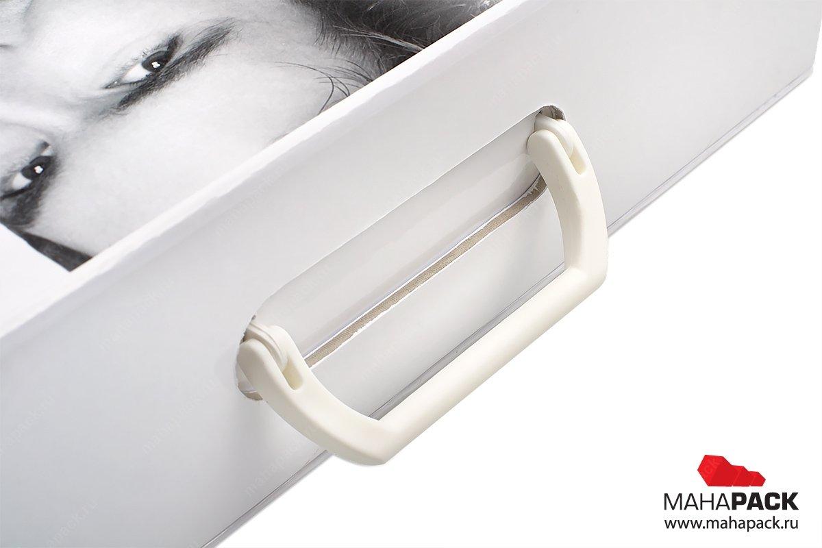 бизнес упаковка - коробка-чемодан с ручкой
