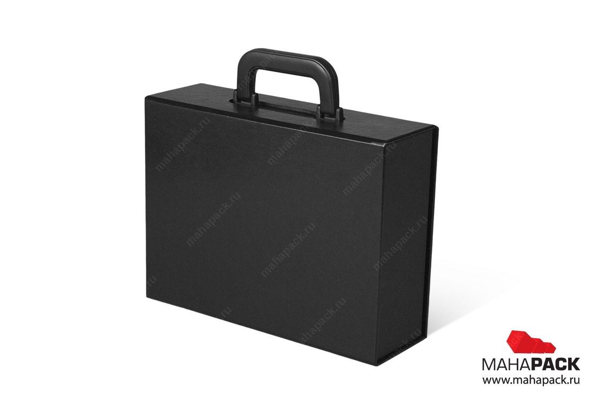 Коробка чемодан с ручкой