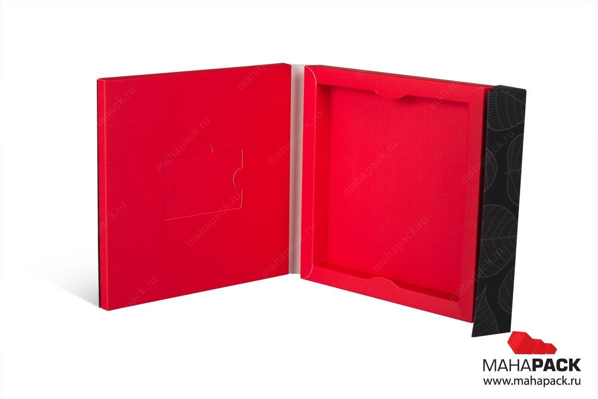 упаковка пластиковых карт и буклета